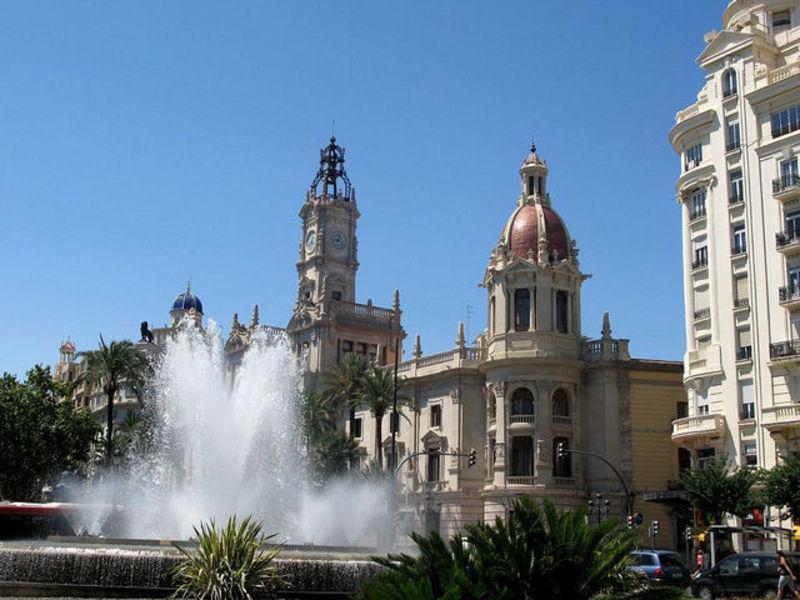 Валенсия - город огней