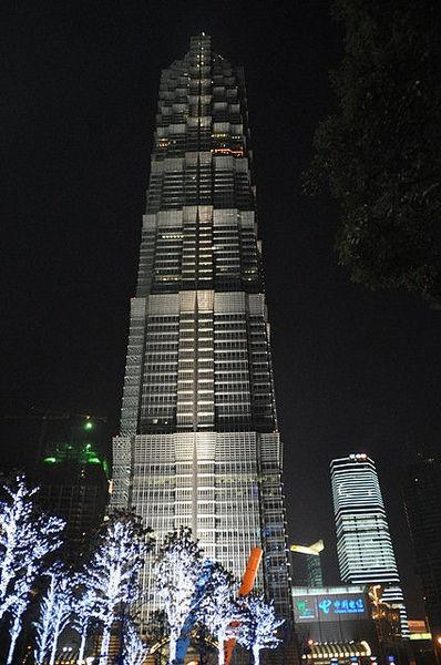 Шанхай -  крупнейший город в мире.
