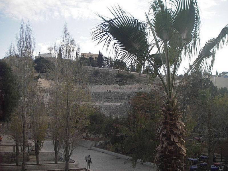 Современный арабский город Амман