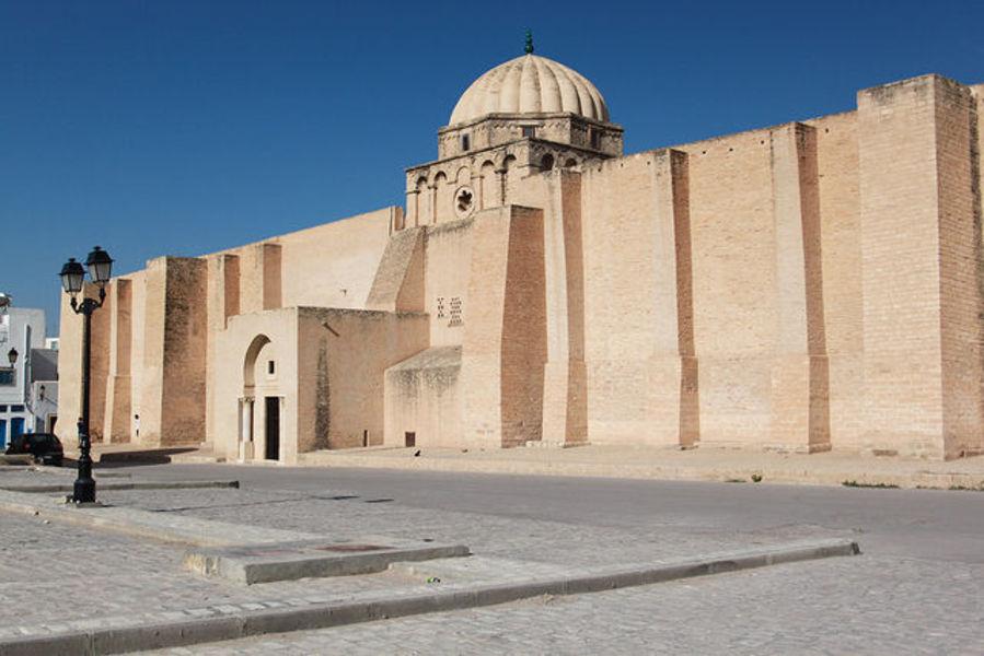 Пестрый город Тунис