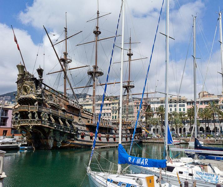 Город - порт Генуя