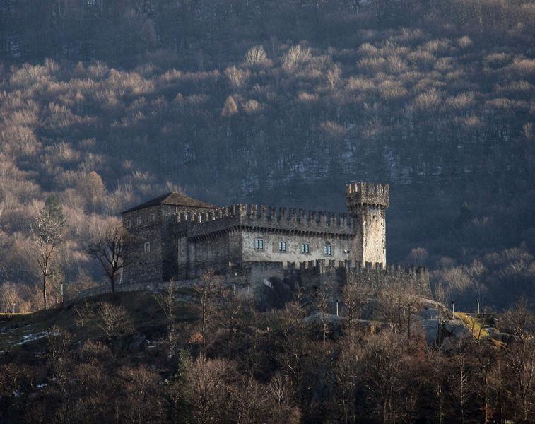 Замок Кастелло-ди-Сассо-Корбаро