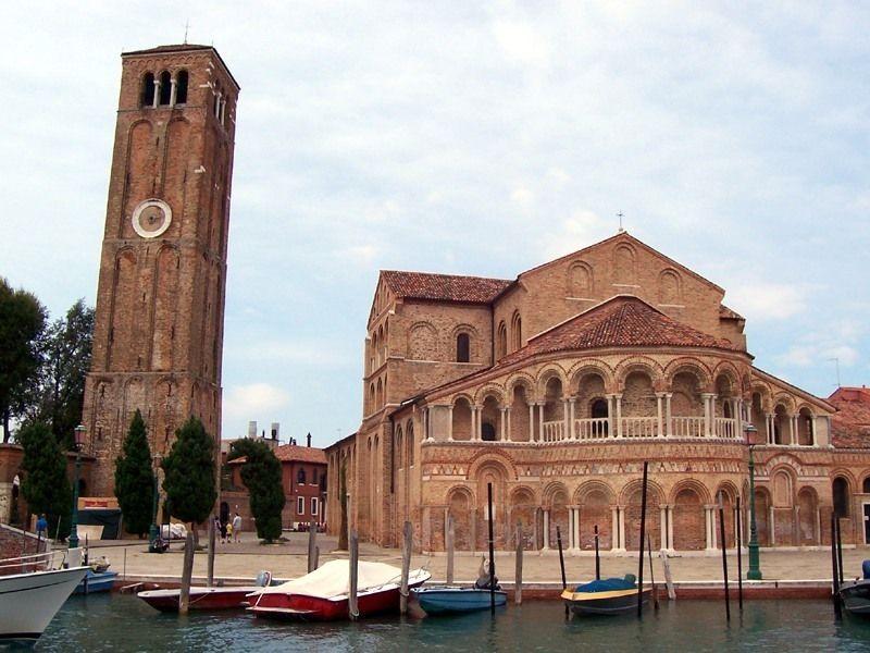 Базилика Санти Мария э Донато