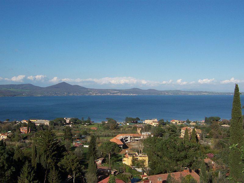 Озеро Браччано