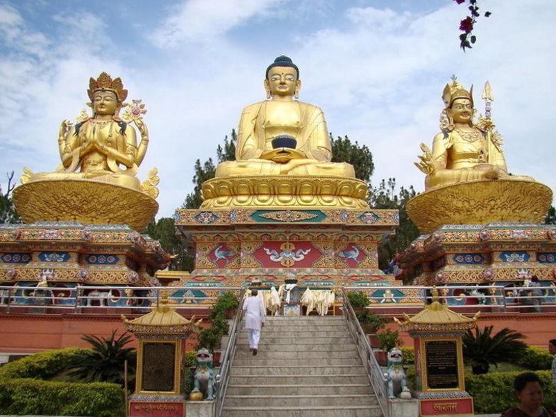 Ступы Сваямбхунатх