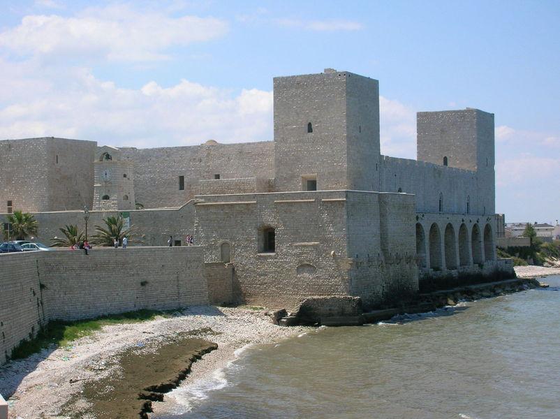 Замок Трани