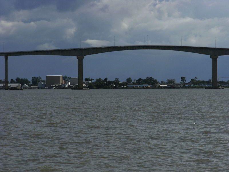 Река Суринам
