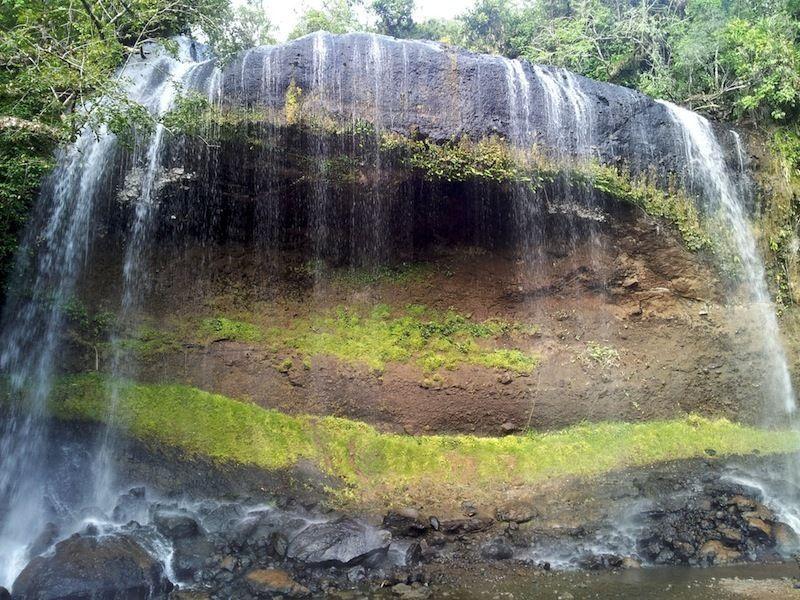 Водопад Нгардмау