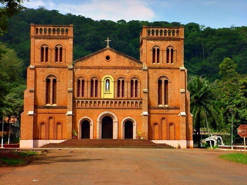 Католический собор Нотр-Дам, Банги