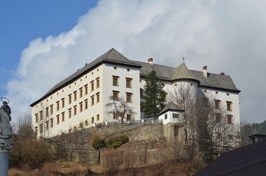 Замок Обермурау