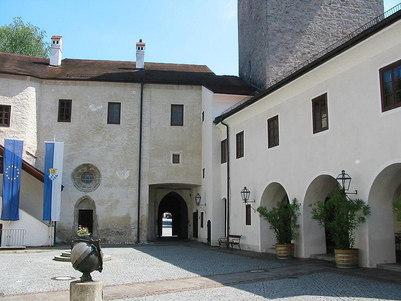 Замок Ульмерфельд