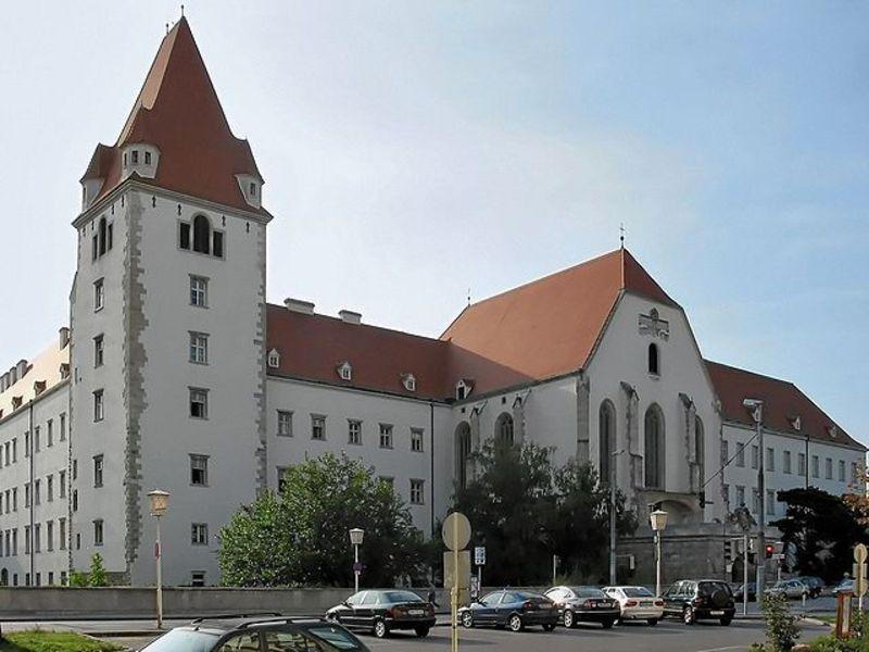 Замок Винер-Нойштад