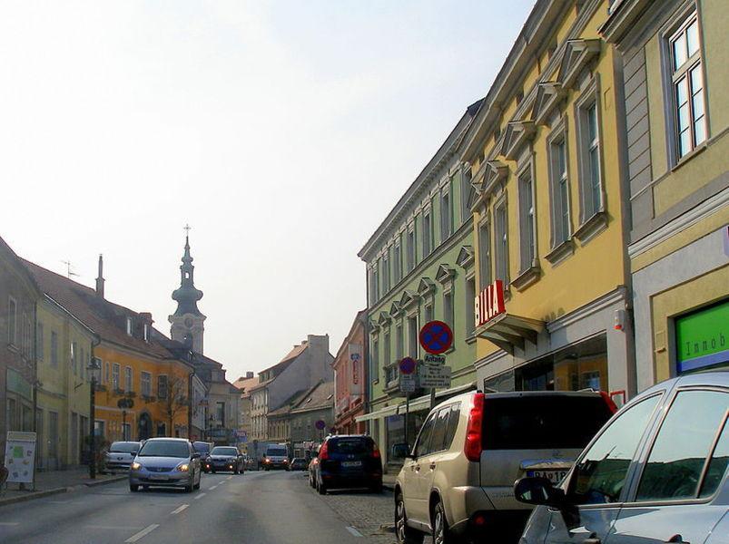 Хайнбург
