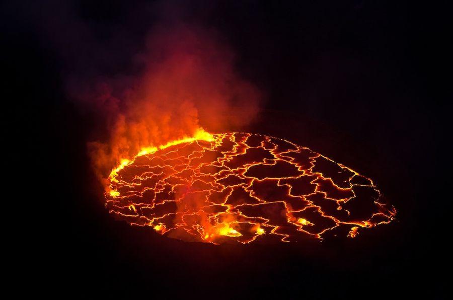 Вулкан Ньирагонго