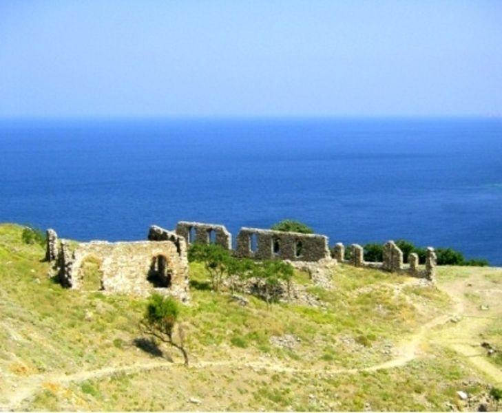 Крепость Мирина
