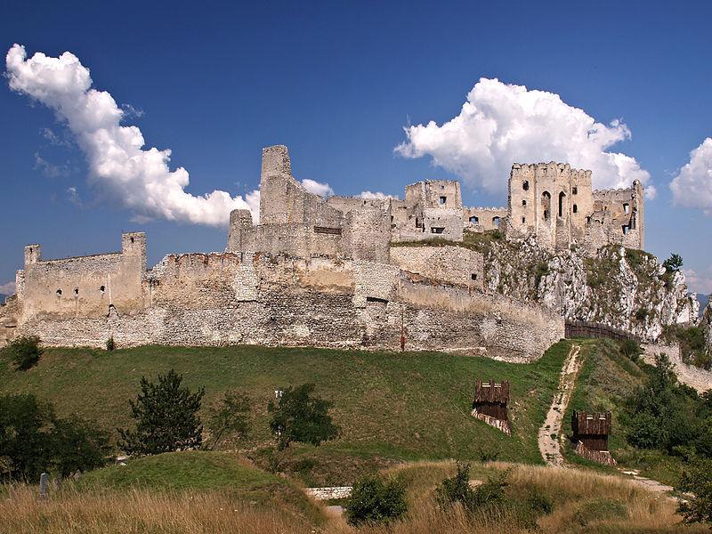 Замок Бецков