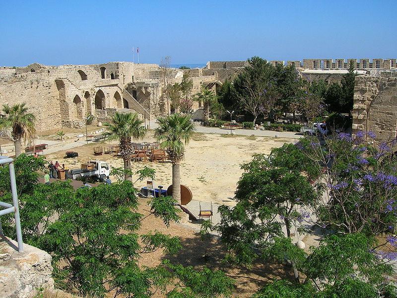 Замок Кириния и музей кораблекрушений