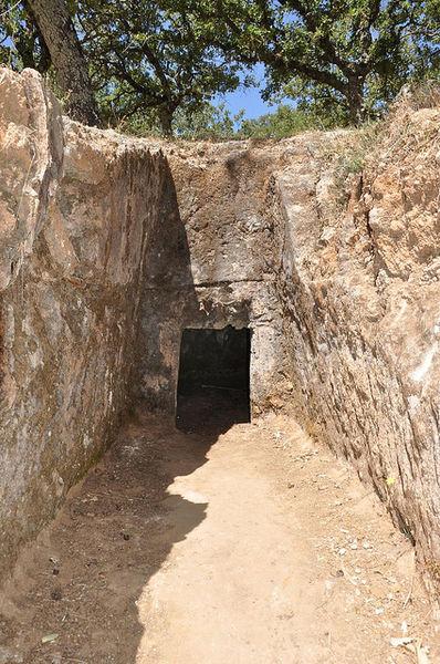Минойское кладбище