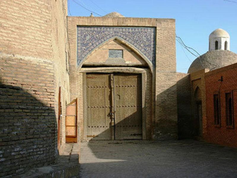 Караван-сарай Ташарват