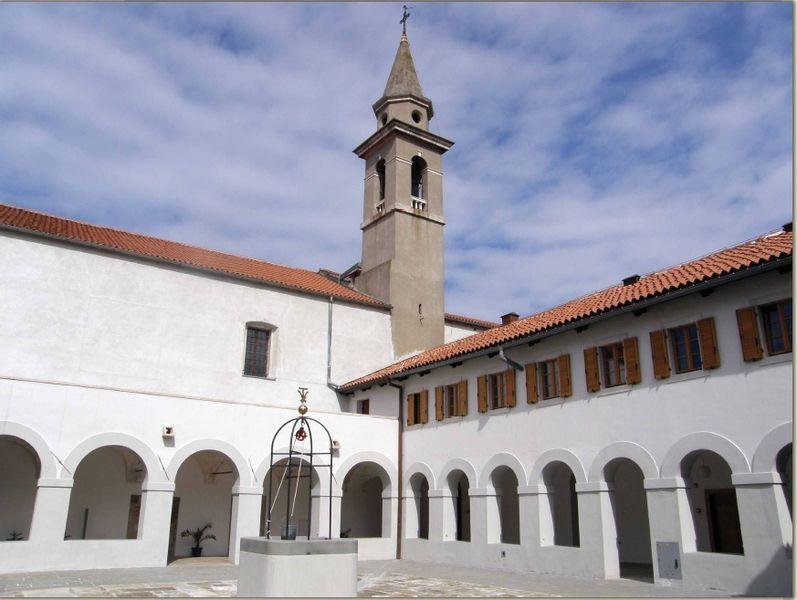 Монастырская церковь Святой Анны