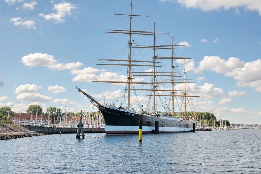 Парусное судно-музей