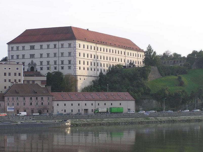 Замок Линц