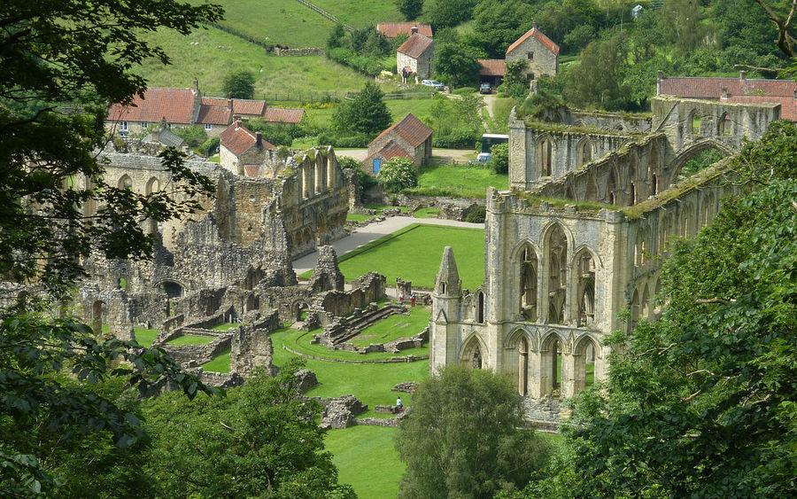Риволское аббатство