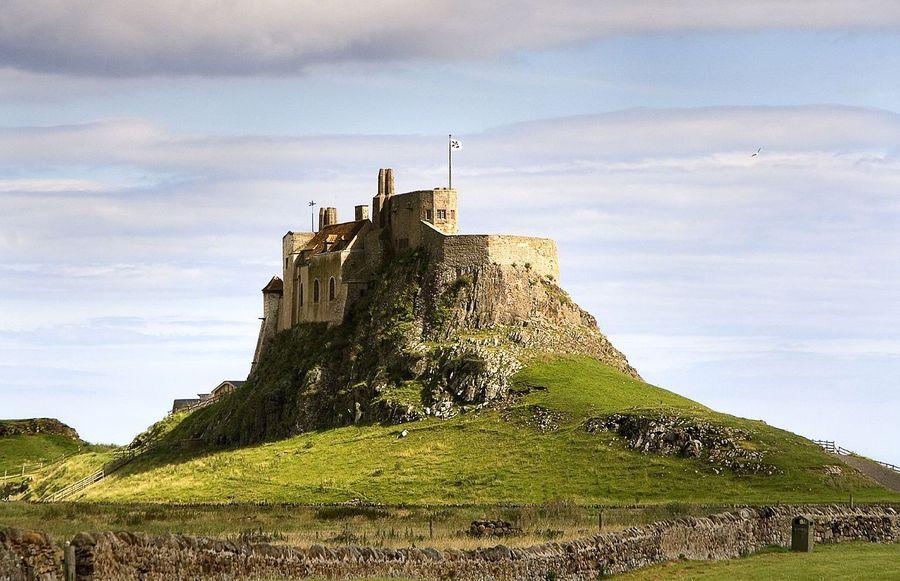 Замок Линдисфарн