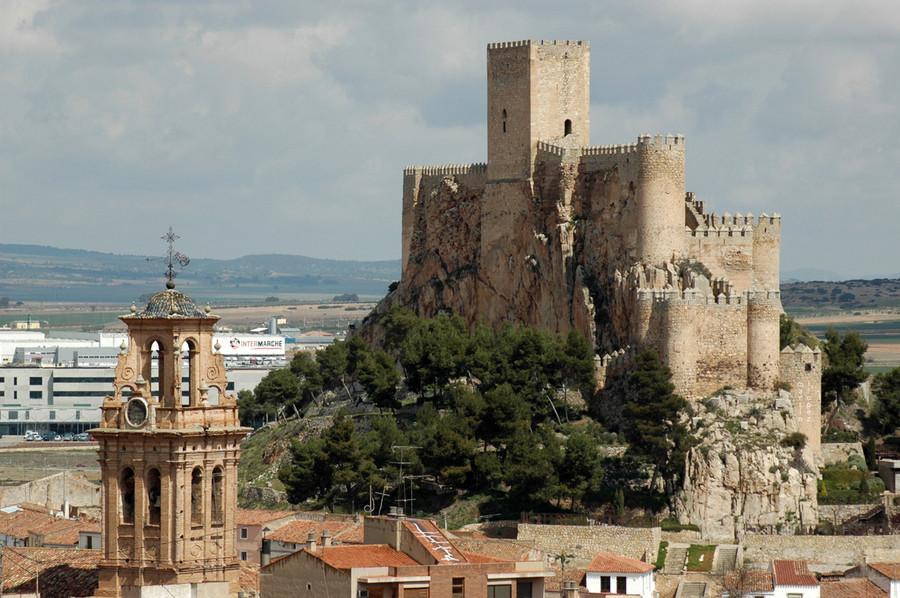 Замок Альмансы