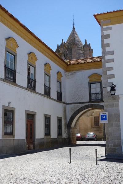 Эвора - один из красивейших городов Португалии