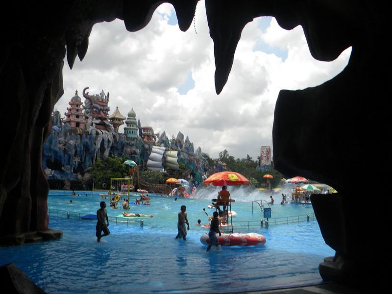 Аквапарк в Сайгоне (Suoi Tien)