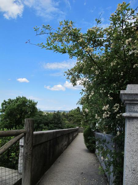 Дуино, Италия