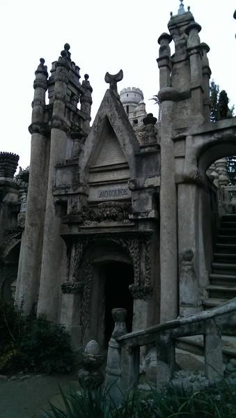 Идеальный дворец, Франция