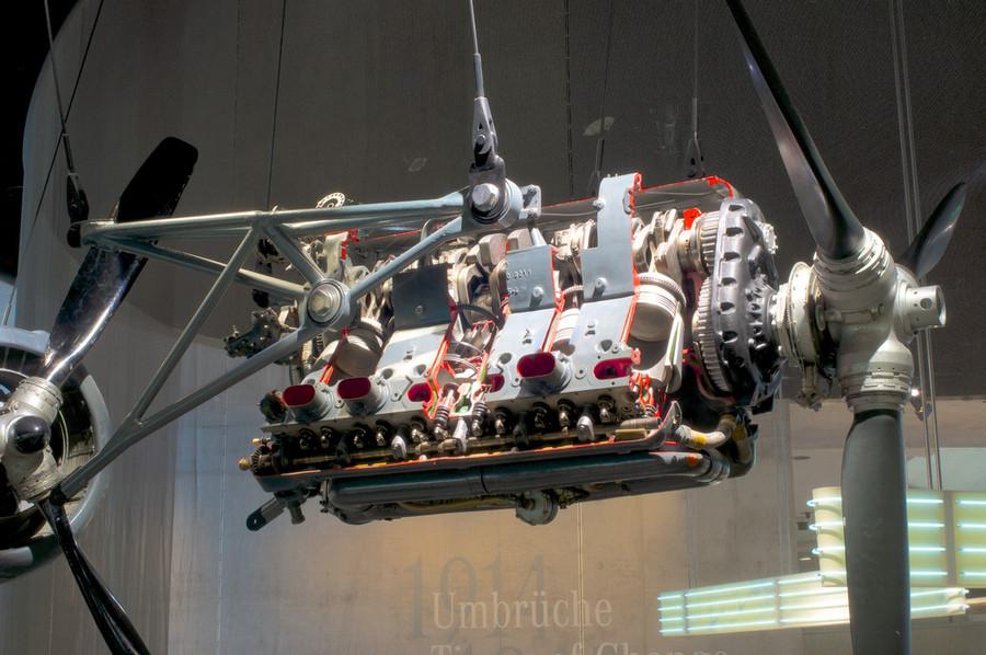 Немного фото из Музея Мерседес-бенц