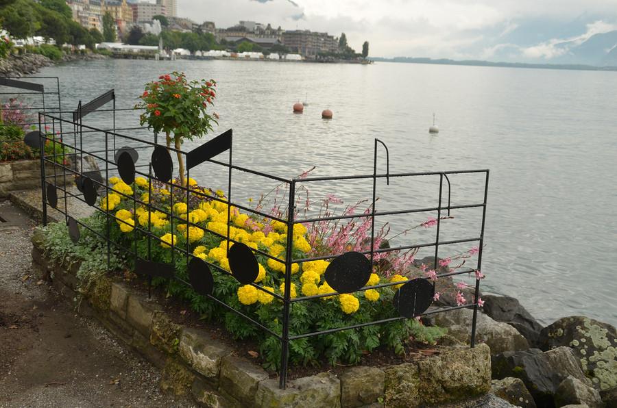 Красивый швейцарский город Монтрё