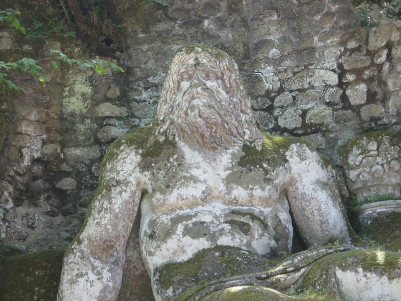 Прогулка по священному лесу в Бомарцо