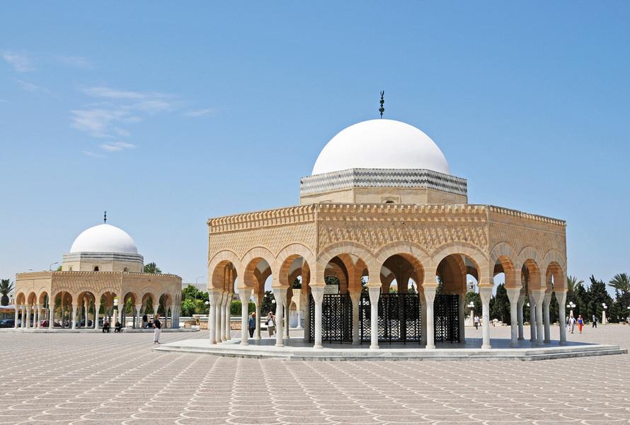 Амфитеатр Эль-Джем и достопримечательности Монастира