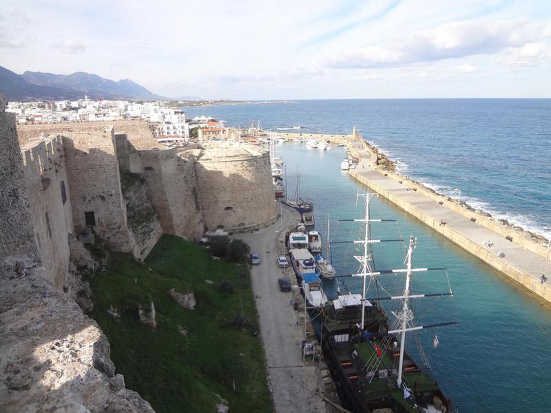 Замок Кирении