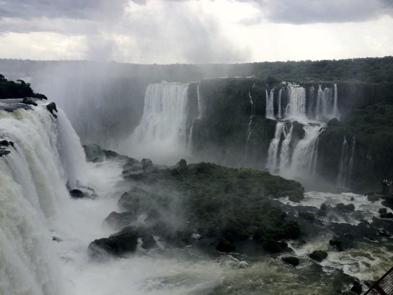 Мокрое чудо света - водопады Игуасу