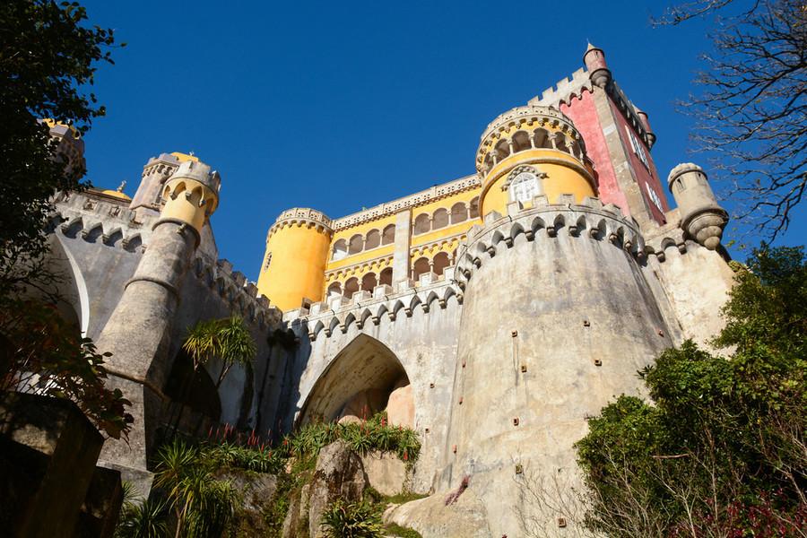 Замок Паласио-да-Пена
