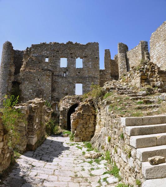 Замок Баржем - нетронутая красота феодальной Франции