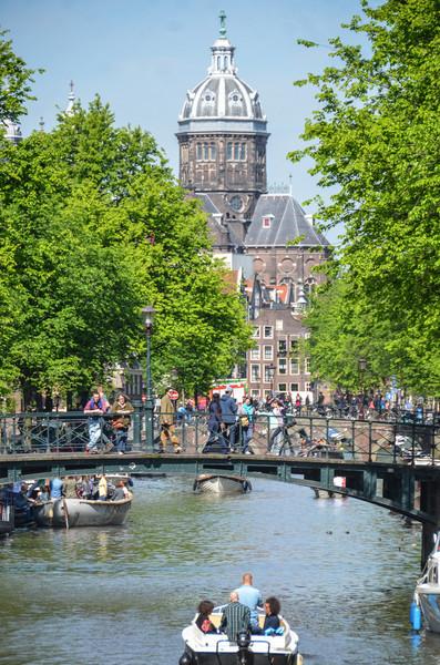 Празднование дня освобождения Нидерландов в Амстердаме