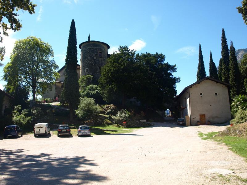 Замок и озеро Тоблино