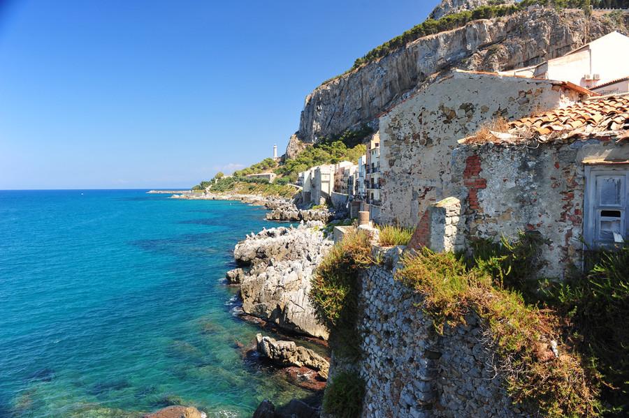 Чефалу - курортный городок на побережье Сицилии