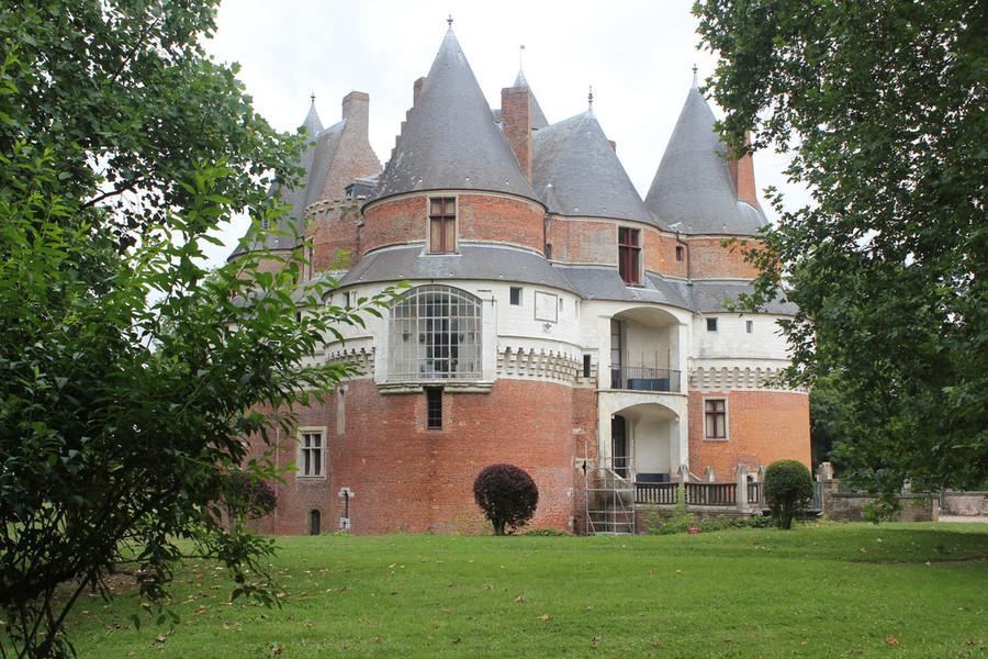 Замок Рамбюр в Пикардии, Франция