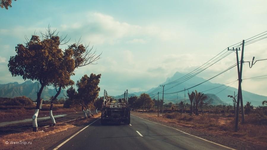 На машине по Яве. Покорение вулканов Бромо и Иджен.