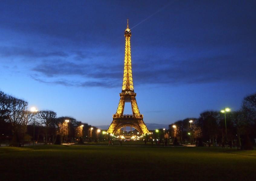 Вечерний Париж с Эйфелевы башни