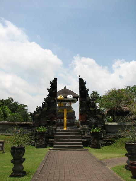 Храмовый комплекс Таман Аюн