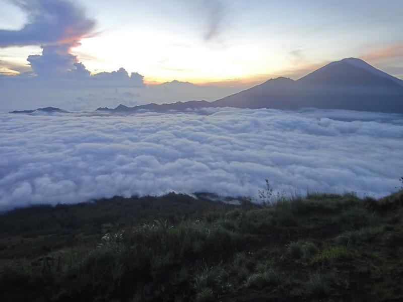 Восхождение на вулкан Батур, остров Бали, Индонезия