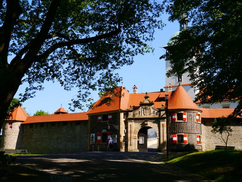 Архитектурная жемчужина Чехии - замок Боузов